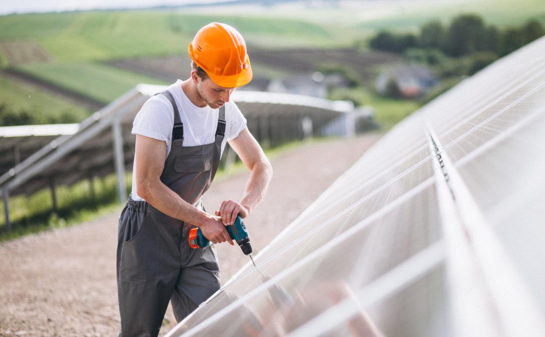 Instalou painéis de energia solar? 5 cuidados que você precisa ter com a manutenção