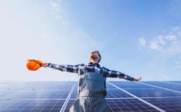 Luz solar vai alcançar primeiro lugar na geração de energia; veja 5 projetos que reforçam essa tese